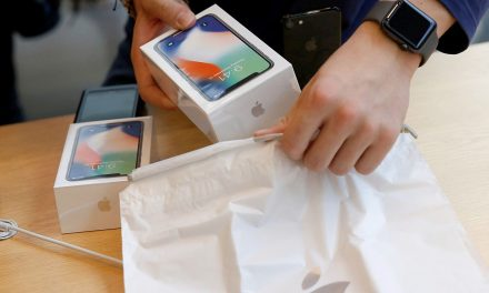 Sagging iPhone X Sales Have Apple In A Pickle (Say What?!?)