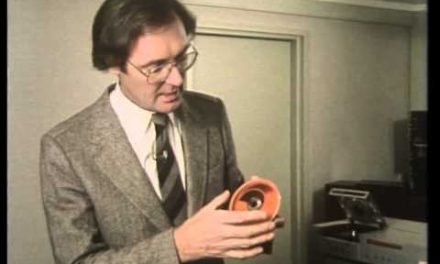 Retro Gold! Introducing the amazing Compact Disc (1982)